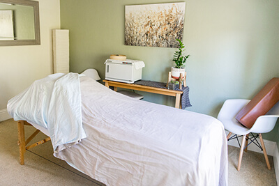Relaxing massage bed